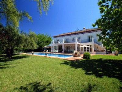Top 15 Big Houses to Rent in Europe with August Availability from One Off Places