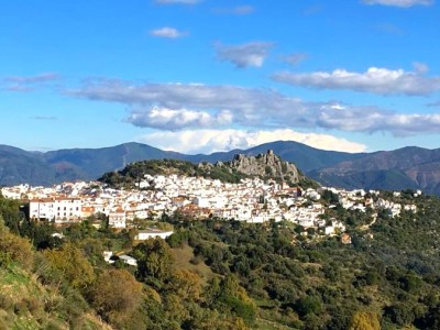 Choose idyllic Gaucin for your next holiday - a spectacular Andalucián Pueblo Blanco with views to Morocco