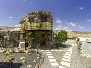 1 Bedroom Converted Water Tower in Canary Islands, Lanzarote, Arrieta
