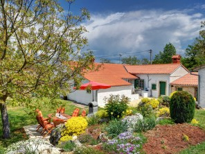 3 Bedroom Stone Villa with Pool in Jakacici, Istria, Croatia