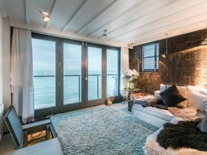 1 Bedroom Decadent Seafront Apartment with Ocean Views in St Ives, Cornwall, England
