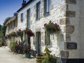 2 Bedroom Award-Winning Cottage on a Farm near Penzance, Cornwall, England