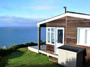 1 Bedroom Sea View Cabin in England, Cornwall, Whitsand Bay