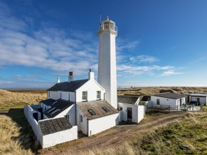 3 Bedroom Lighthouse Cottage with Sea Views in Walney Island Nature Reserve, Cumbria, England