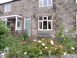 2 Bedroom Riverside Cottage in Bradford Dale, Peak District, Derbyshire, England