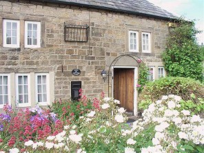 4 Bedroom Cottage in the Chatsworth Estate Village of Beeley in Derbyshire, Peak District, England
