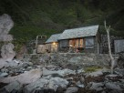 1 Bedroom Beach Cabin with Hot Tub in a Private Cove near Holbeton, Devon, England