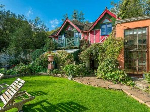 1 Bedroom Apartment on a Country Estate with Tennis and Pool near Dittisham, Devon, England