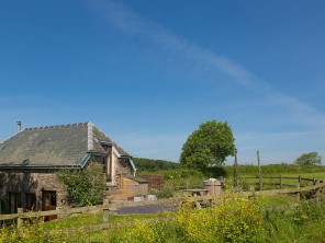 1 Bedroom Romantic Barn Conversion with Private Hot Tub in Holbeton, Devon, England