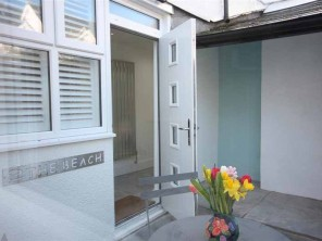 2 Bedroom Modern Apartment near the Beach in Lyme Regis, Dorset, England