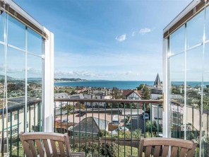 3 Bedroom Penthouse Apartment in Lyme Regis, Dorset, England