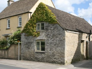 2 Bedroom Cotswold Stone Cottage in Fairford, Gloucestershire, England