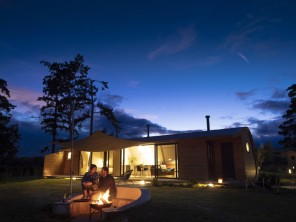 Rowan Lodge Luxury Eco Pod with Hot Tub near Hay on Wye, Herefordshire, England