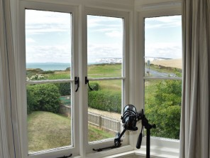 3 Bedroom Cottage by the Beach with Sea View near Brook, Isle of Wight, England