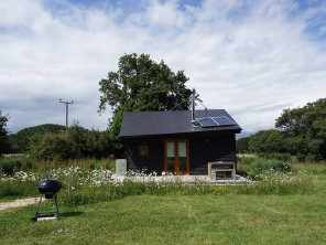 Eco Friendly Tiny Home Hygge with Studio Space in Woodland near Newport, Isle of Wight, England