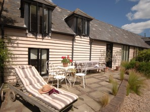 Relaxing Boutique Rural Retreat with Mini Spa on Site in Wingham, nr Canterbury, Kent, England