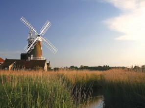 10 Bedroom Windmill B&B in England, Norfolk, Cley-next-the-Sea