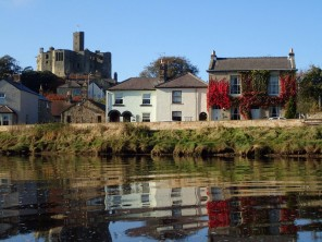 3 Bedroom Georgian Village House on the River in Warkworth, Northumberland, England