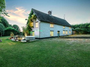 5 bedroom listed farmhouse in England, Somerset, Taunton