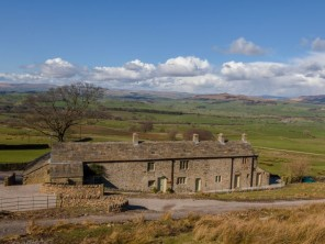 3 Bedroom Farmhouse on a 3000 Acre Estate in the Yorkshire Dales near Skipton, Yorkshire