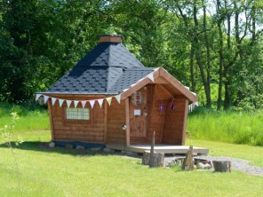 Dog Friendly Double Eco Pod DP2 in Manor House Grounds, North Yorkshire Moors, Yorkshire, England