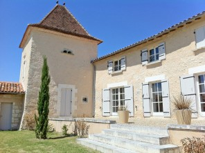 3 Bedroom Country House with Pool & Unlimited Tennis & Golf nr Aubeterre, Nouvelle Aquitaine, France