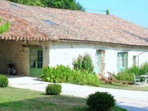 1 Bedroom Romantic Apartment in France, Aquitaine/Dordogne, Sainte Livrade sur Lot