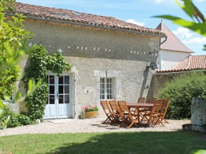 4 Bedroom Stone Cottage with Golf, Tennis & Swimming on Site near Aubeterre, Nouvelle Aquitaine, France