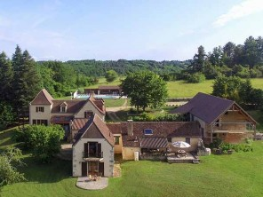 5 Bedroom Renovated Dordogne Farmhouse with Private Heated Pool, France
