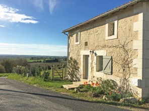 3 Bedroom Barn Conversion with Access to Pool, Tennis & Golf a Short Stroll Away, nr Aubeterre, Nouvelle Aquitaine, France