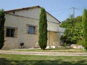 2 Bedroom Renovated Stone Apartment in France, Aquitaine/Dordogne, Sainte Livrade sur Lot
