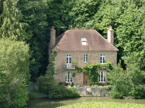 5 Bedroom Lakeside House in France, Brittany, Paimpol, Maison de ...