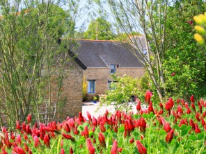 1 Bedroom Romantic Cottage in France, Brittany, Langoelan