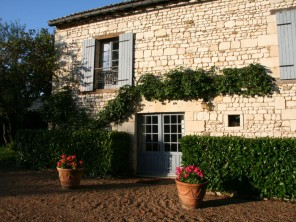 2 Bedroom Chateau Cottage in France, Loire Valley, Bournand