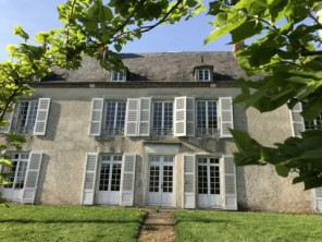 4 Bedroom 18th Century Manor House in Sens-Beaujeu, Loire Valley, France