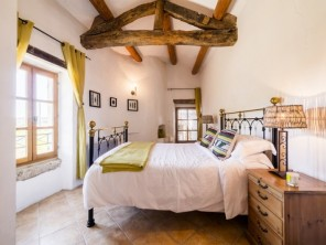 1 Bedroom Luxury Gite Le Murier with Shared Pool near Uzes, Languedoc-Roussillon, France