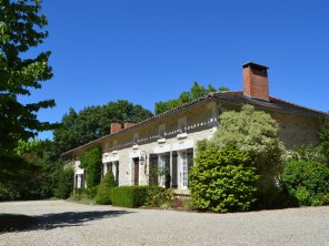 7 Bedroom Country House with Gardens and Pool in Brossac, Charente, France