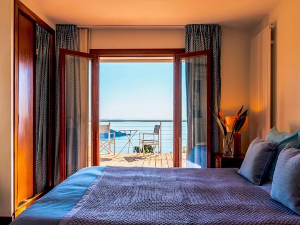 3 Bedroom Seaview Villa In France  Provence