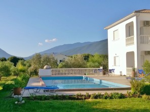 5 Bedroom Mountain View Villa with Pool in rural Kefalonia
