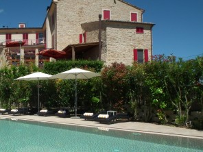 8 Bedroom Hilltop Boutique Hotel in Italy, Le Marche, Montelparo