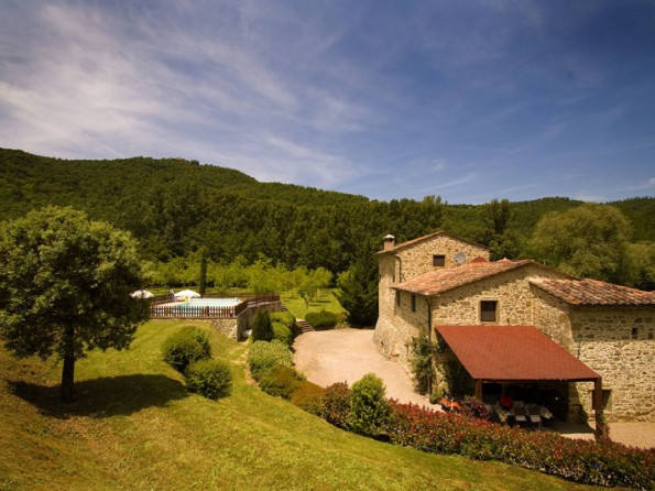 3 Bedroom Former Millhouse In Italy Tuscany Monterchi