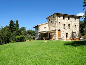 Four Bedroom Farmhouse with Pool and Tiber River Valley Views near Guardea, Umbria, Italy