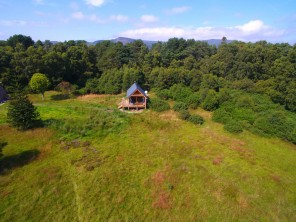 1 Bedroom Luxury Lochside Cabin in Golspie, Highlands, Scotland