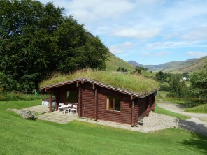 2 Bedroom Log Cabin Clashmore with Hot Tub in the Cairngorms, Perthshire, Scotland