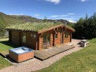 2 Bedroom Log Cabin Cragdhu with Hot Tub & Sauna in the Cairngorms, Scotland