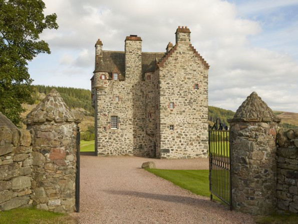 6 Bedroom Renovated Castle In Scotland Perthshire Alyth
