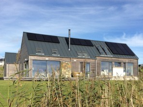 2 Bedroom Luxurious Longhouse on the Isle of Lewis, Outer Hebrides, Scotland