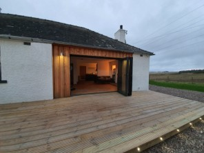 2 Bedroom Cottage with Indoor Pool, Tennis Court and Angus Glen Views, Angus, Scotland