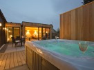 1 Bedroom Luxury Retreat with Private Hot Tub in the Highlands, Aberdeenshire, Aboyne, Scotland