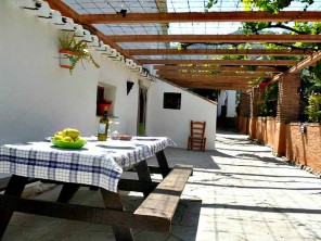 Farmhouse & Adjoining Cottage for 14 with Pool near Riogordo, Andalucia, Spain